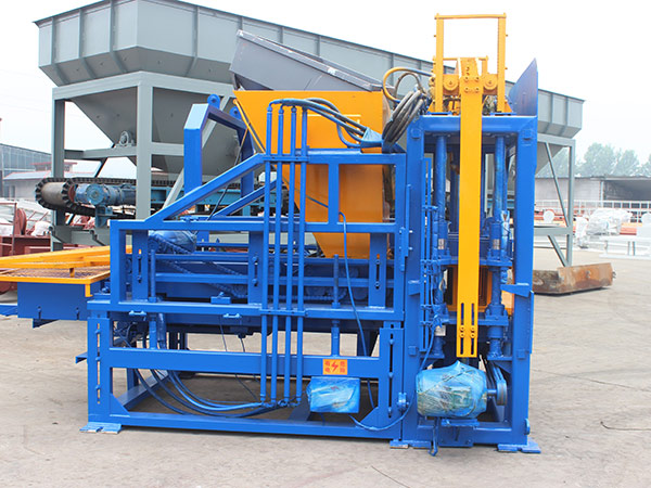 QT3-15 fully automatic fly ash brick machine