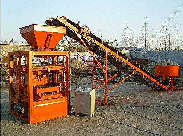 QT4-25 semi automatic brick machine