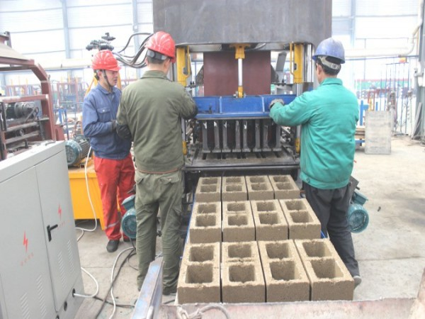 ABM-3S automatic concrete block machine working test